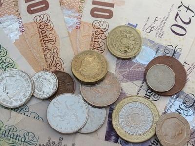 Money Fotolia_40586732_XS[1].jpg